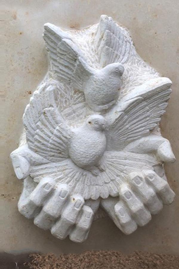 Grabmal »Tauben«